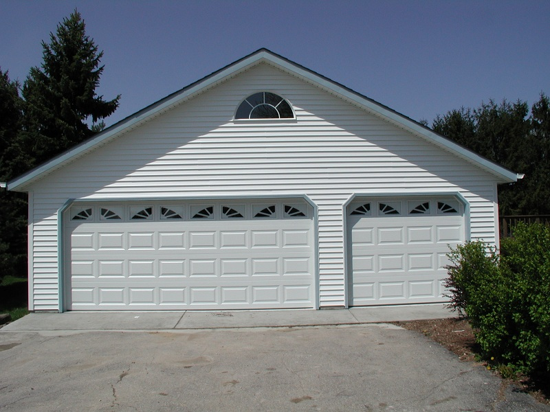 3 car garages classic builders for Collector car garage plans