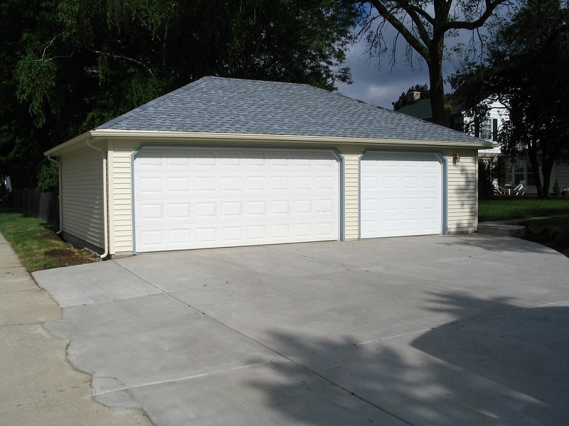 3 car garages classic builders for How wide is a 3 car garage